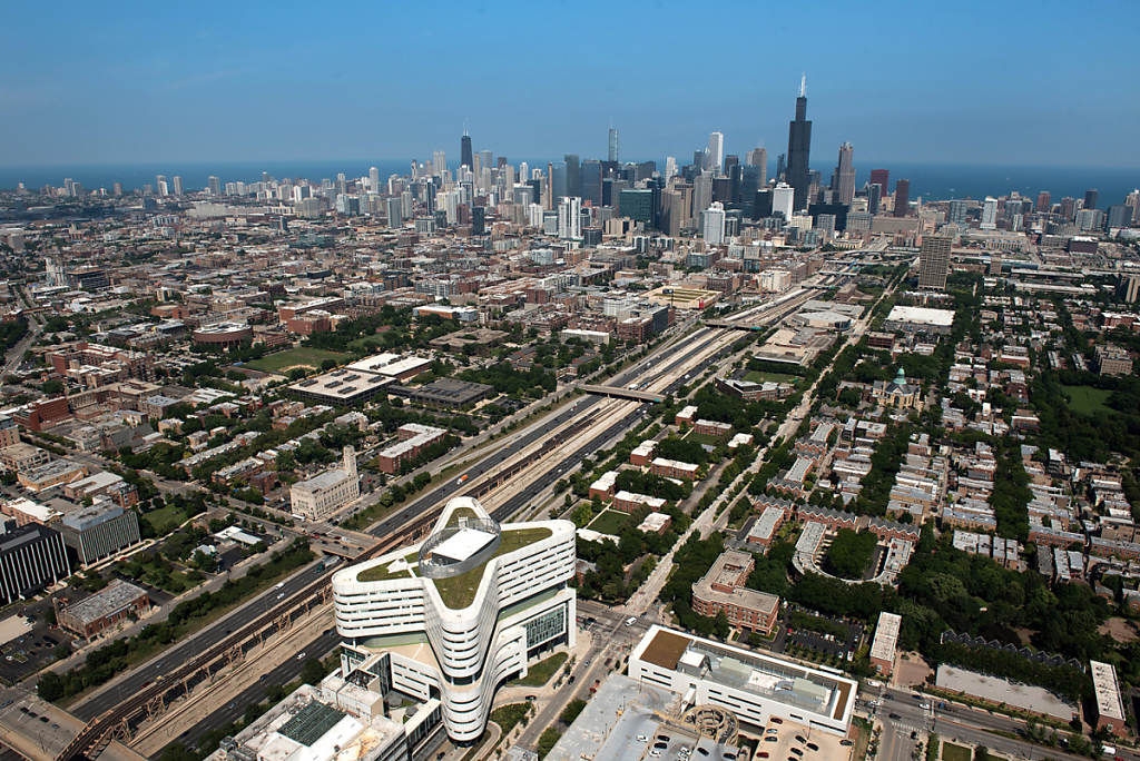 Chicago Skyline photo by Chris Ocken